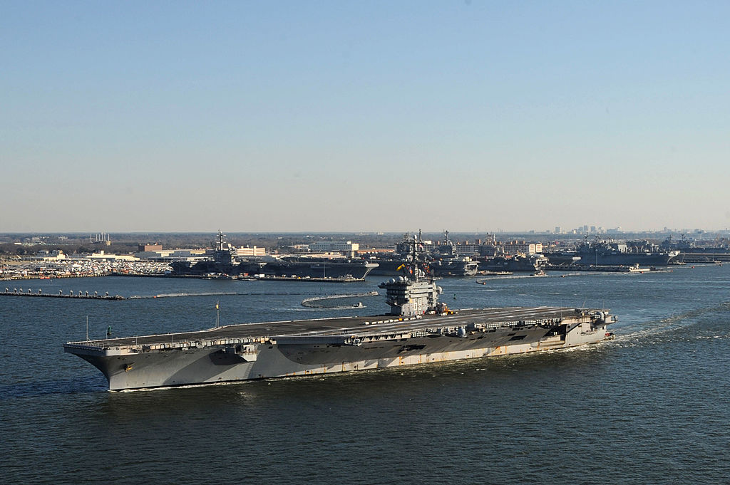 USS Dwight D. Eisenhower -162351705