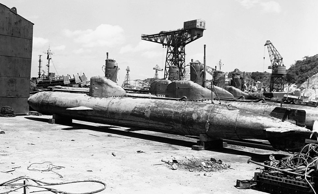 Japanese Submarines -615318490