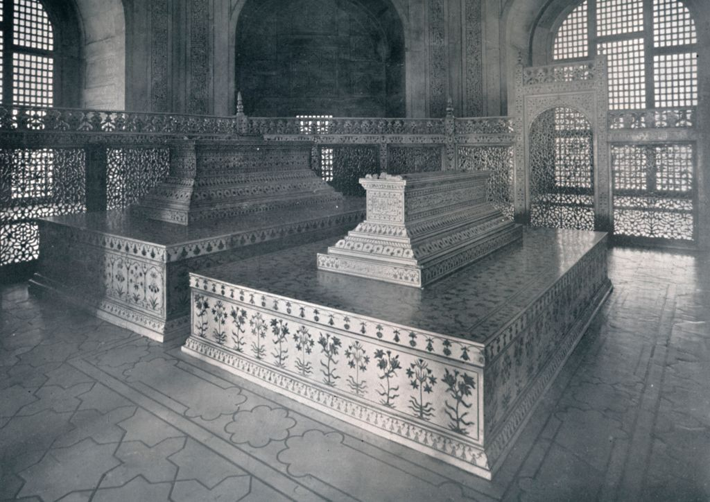 Agra, Tombs of Mumtaz-I-Mahal & Shahjehan in the Taj'
