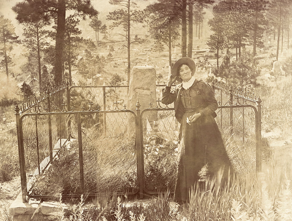 calamity jane at bill hickok's grave