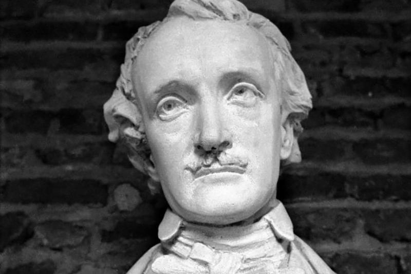Statue of Poe