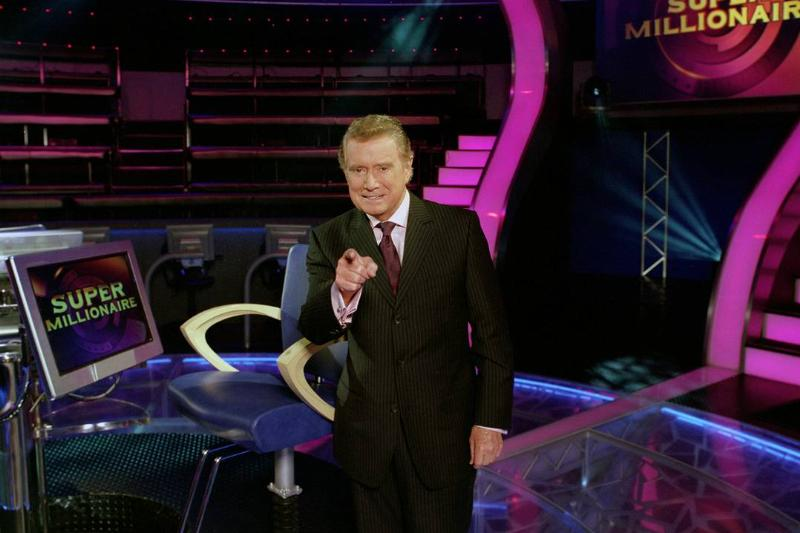 Regis Philbin hosts the primetime game show Super Millionaire.