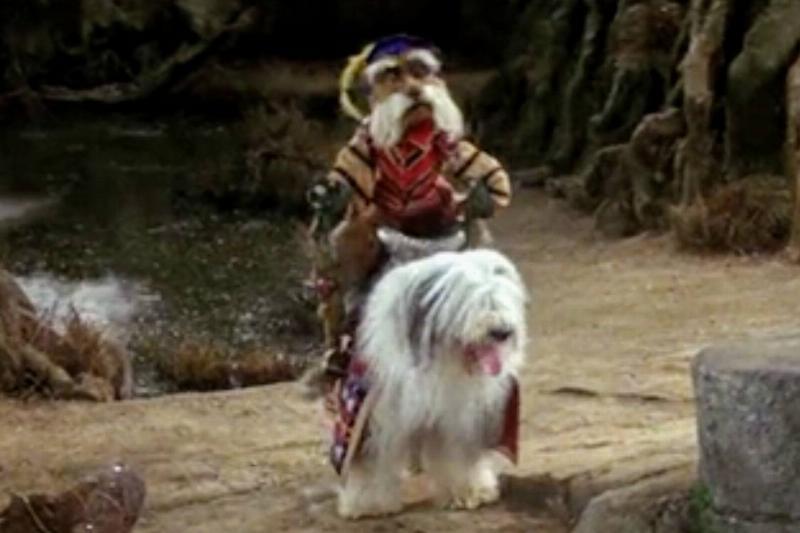 Sir Didymus rides a dog in Labyrinth.