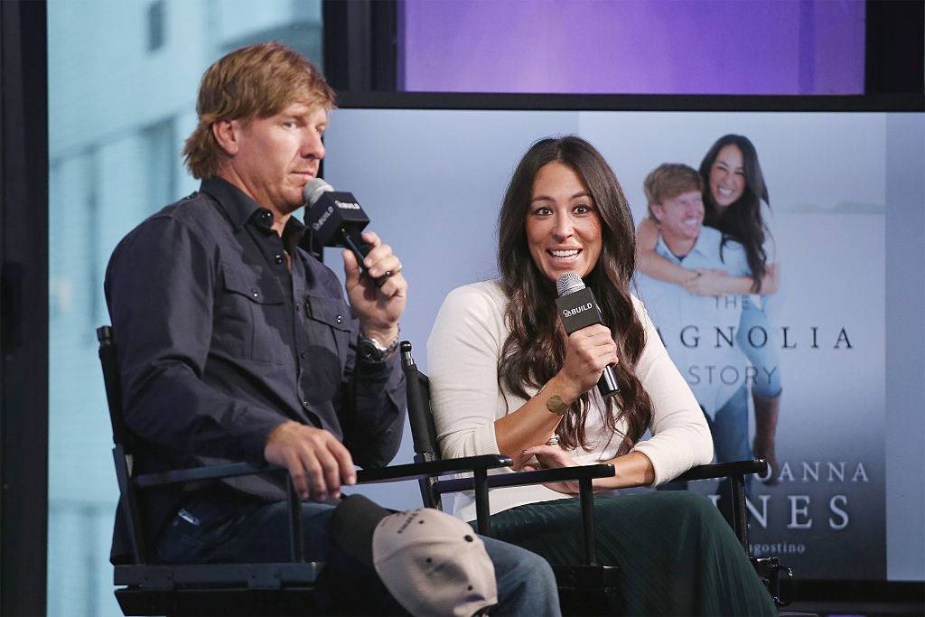 Chip Gaines and Joanna Gaines on a talk show