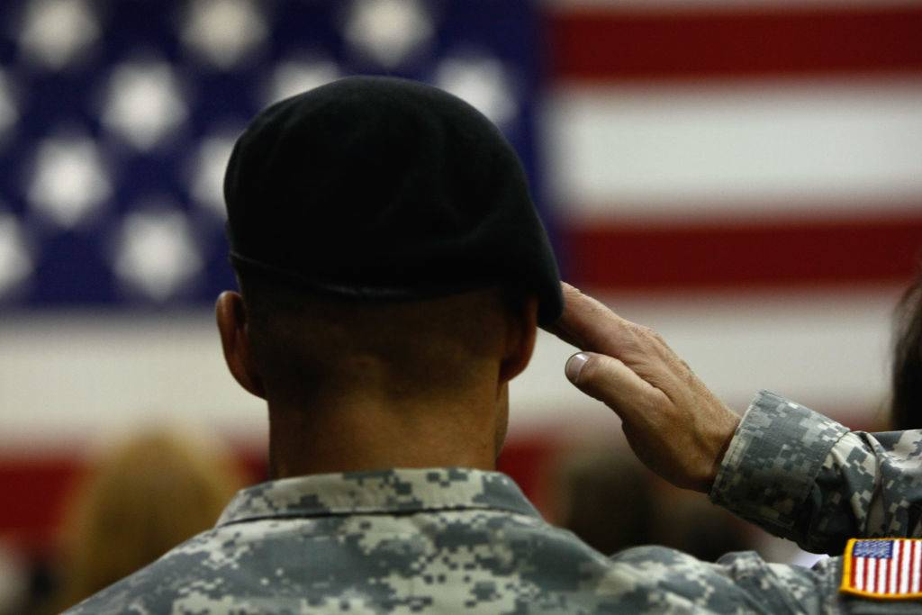Picture of soldier saluting