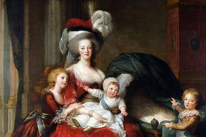 Marie-Antoinette-179793285-43384