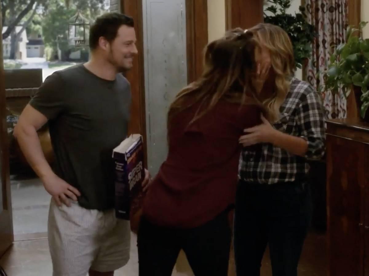 Kiss Between Jo And Arizona On Grey's Anatomy