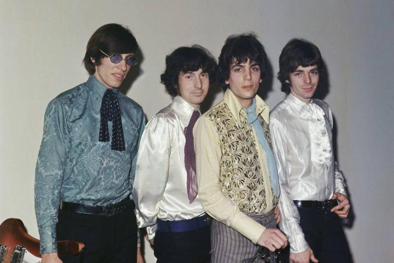 pink floyd posing for a photo in 1967