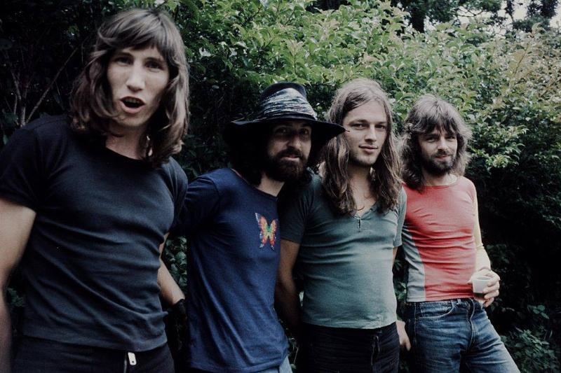 members of Pink Floyd posing for a photo in 1971