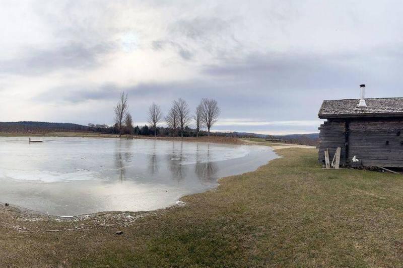 Lakeside-sauna-hut-55653