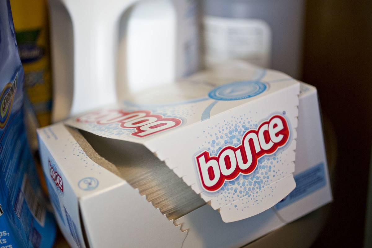 A container of Bounce dryer sheets is open.