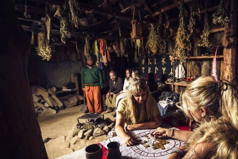 fortune-telling-interior-of-a-viking-hut.-26492