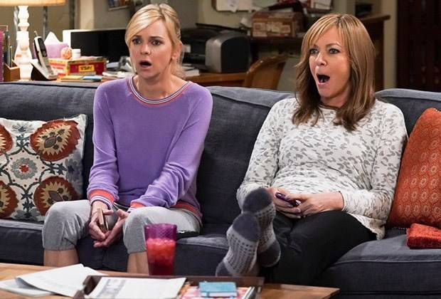 8216mom8217-renewed-for-season-7-and-8-cbs-orders-more-episodes-8211-tvline